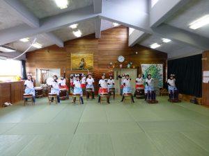 241218南陽幼稚園父母の会和太鼓練習