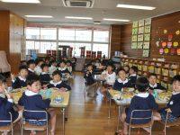 250422南陽幼稚園給食の様子