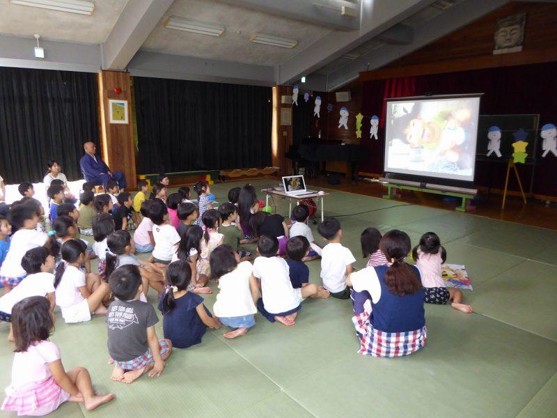 南陽幼稚園のお泊まり会の様子。スライドショー。